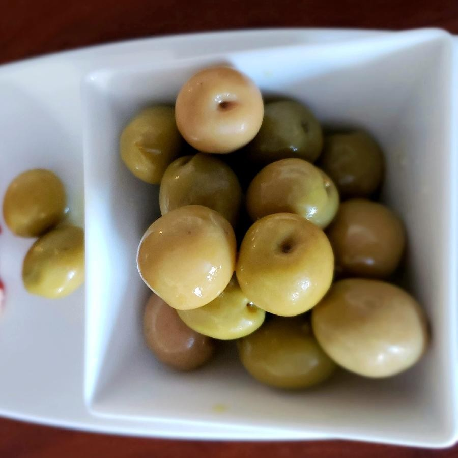 Queen Green Whole Olives (300g) by Amanida